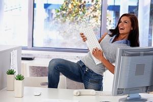 Как сделать офисную жизнь веселой
